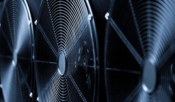 Winters zijn eerder nat dan koud. Drogen, ventileren en verwarmen zijn belangrijk voor de bouw. Doe het wel goed, want deze apparaten gebruiken veel elektriciteit.